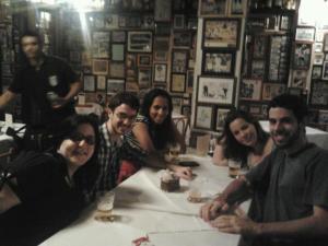 Parte do time do Esparrela. Da esquerda para a direita: Paula Elias, eu, Maíra Souza, Maria Shirts e Artur Lascala.